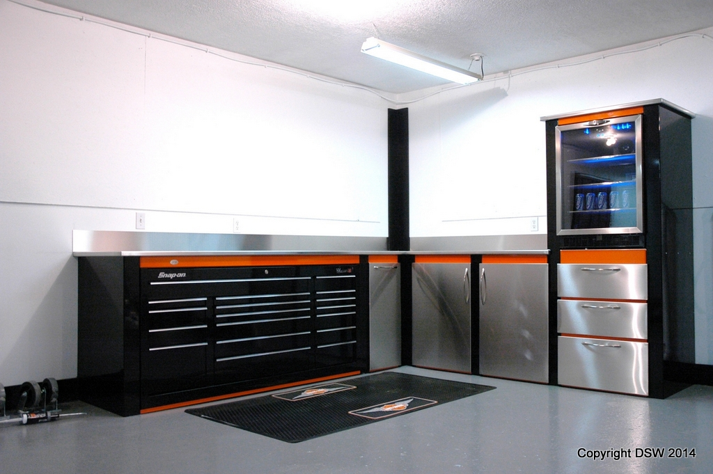 Garage Cabinets With Built-in Snap-on Toolbox - DSW Manufacturing Inc ...