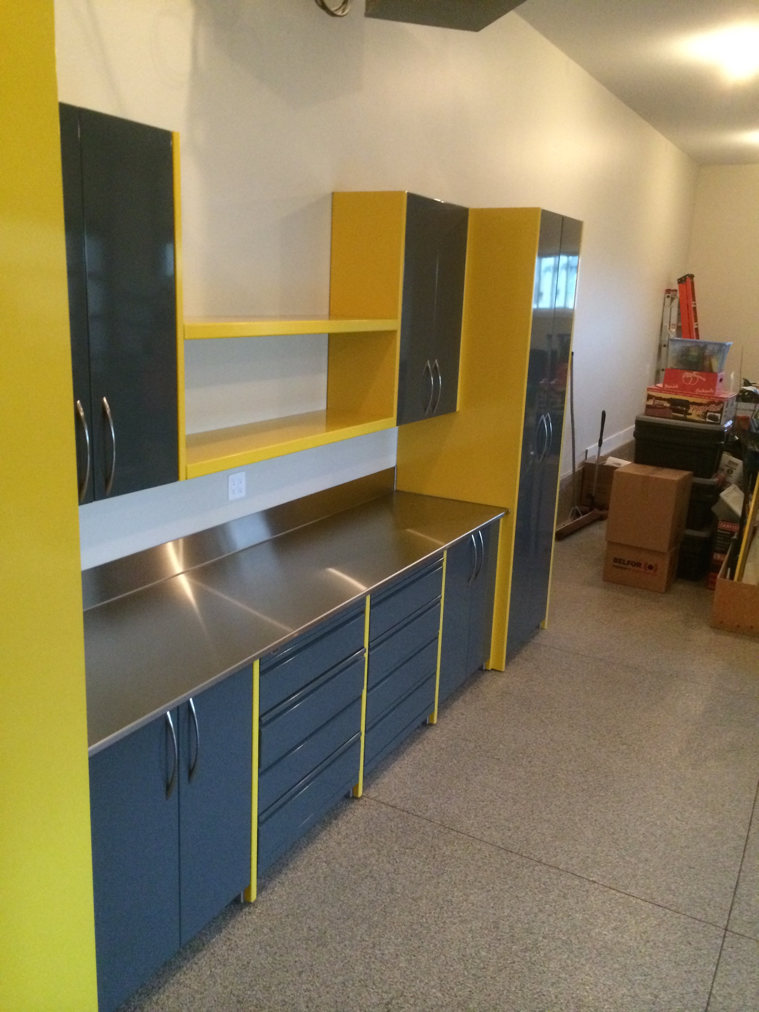 Yellow Garage Cabinets Dsw Manufacturing Inc Dsw